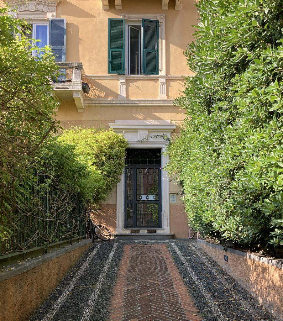 entrata palazzo notaio varazze